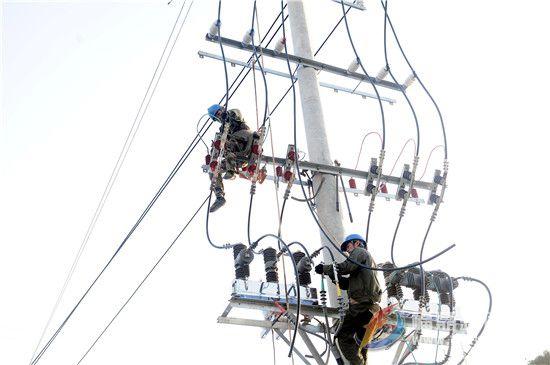 福鼎供电:完成电动公交车配套充电设施双回路电源搭接