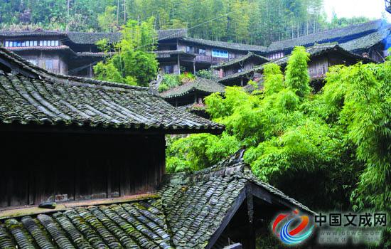 雅庄,古村落与红土地