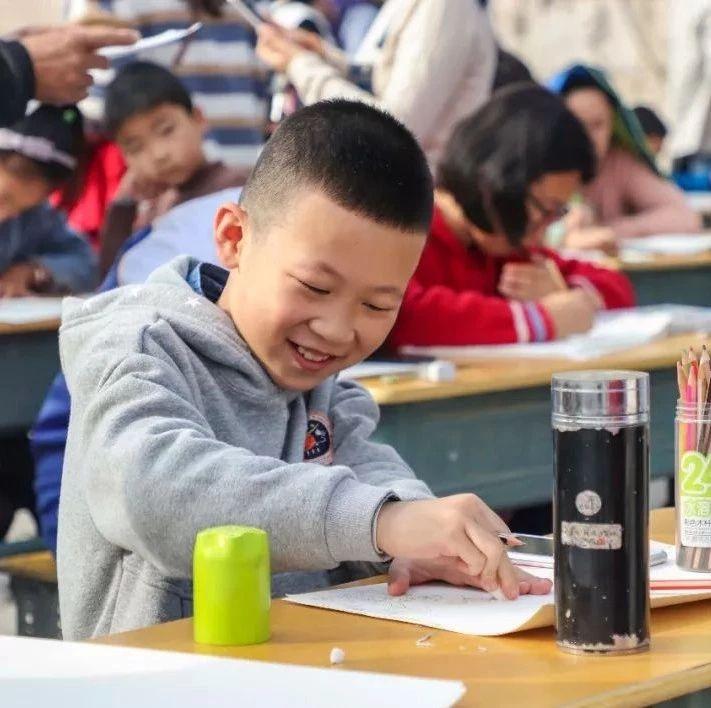"""孩子们画的""""移风易俗""""宣传海报,超萌超心爱!"""