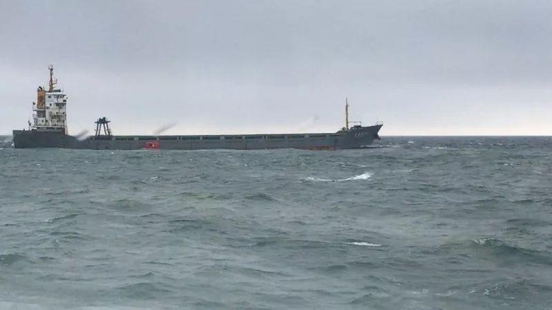 福鼎水域一艘船舶搁浅,船上15名船员全部获救!