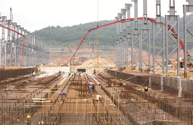 鼎盛钢铁项目建设施工热火朝天
