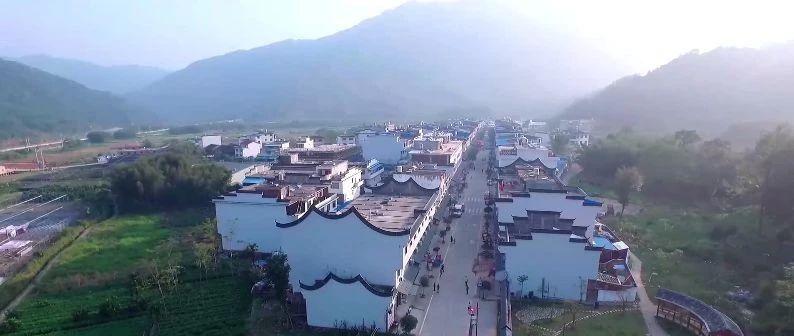"""赤溪村有一种""""家访"""",暖了民心红了党旗"""