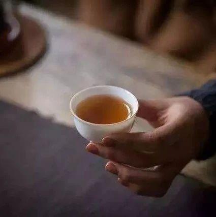 """饮一杯老白茶,品味冬日的""""甜""""与""""暖"""""""