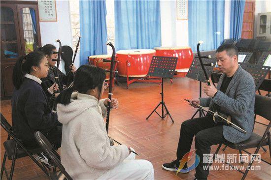 """【委员风采】钟敦龙:让传承畲族文化能""""说""""会""""唱"""""""