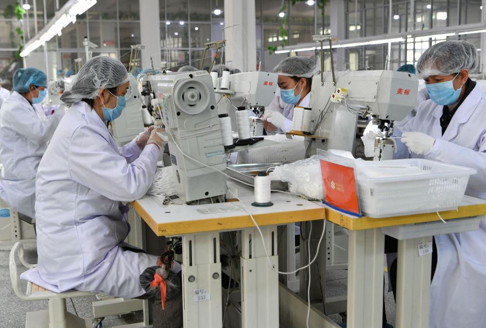"""""""从0到100万""""——中国鞋都莆田口罩生产攻坚记"""
