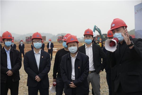刘振辉袁华军一行检查调度重点项目