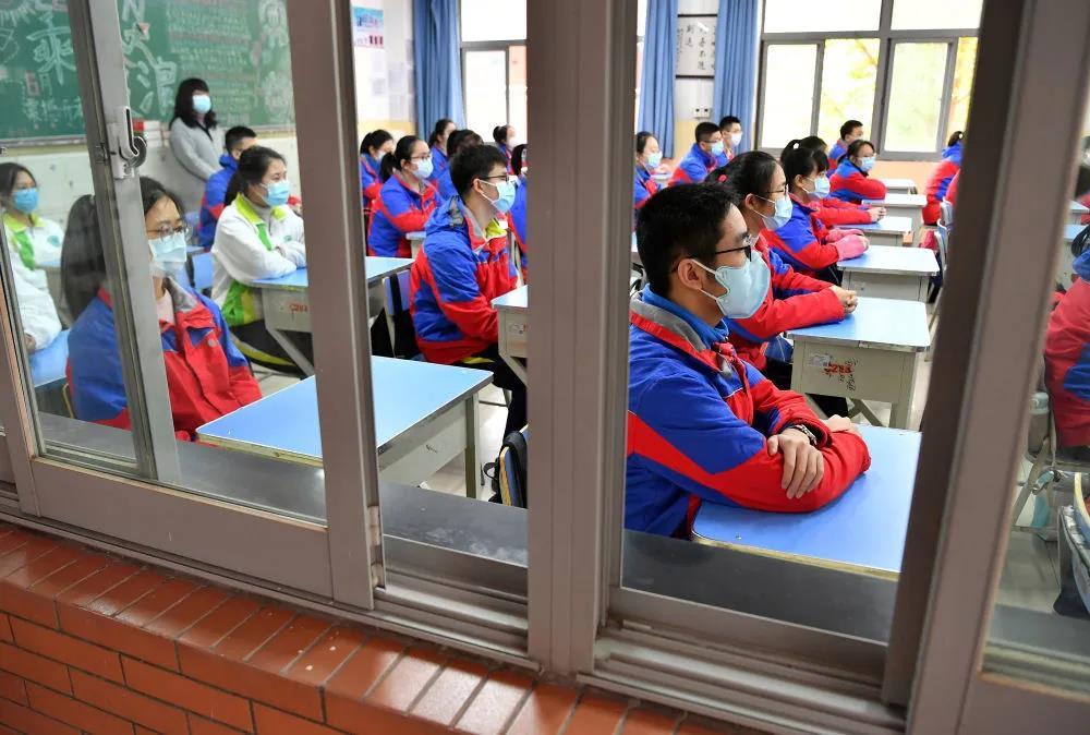 教室上课必须戴口罩!福建多地将为师生发口罩