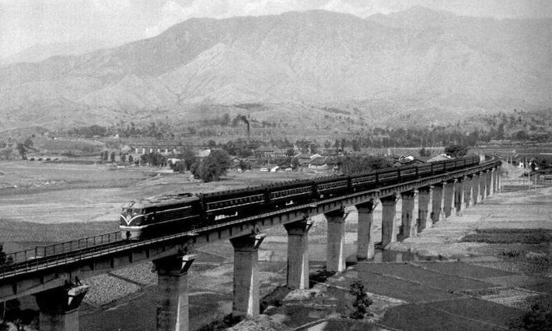 新影像丨中国奇迹!从成昆铁路到世界第一高铁网