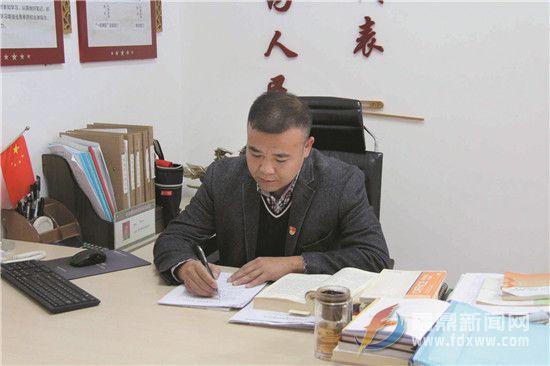 """【代表风采】郑举庆:改善民生福祉的""""践行者"""""""