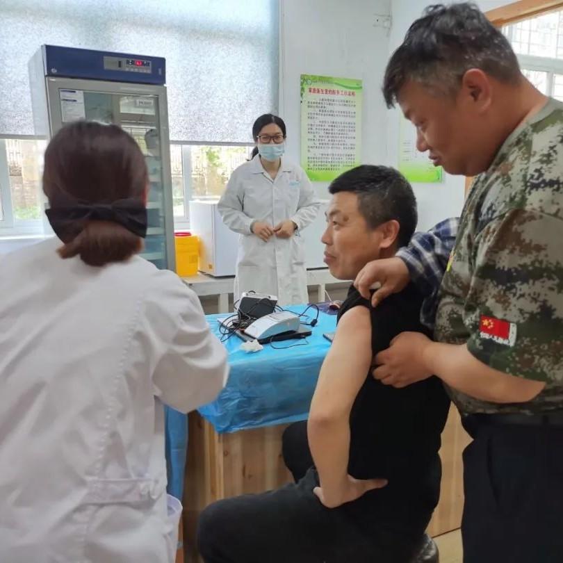 一起苗苗苗苗苗~白琳镇首批新冠疫苗已到位